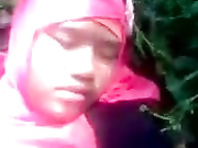 Download video bokep Jilbab student forest scandal Mp4 terbaru