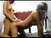 Video bokep online Two hot beauty model play on cam 3gp